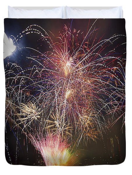 2013 Independence Day Fireworks Display On Portland Oregon Water Duvet Cover by David Gn