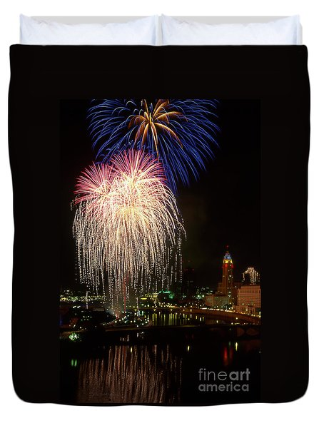 21l106 Red White And Boom Fireworks Photo Duvet Cover