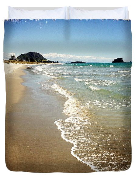 Beach Duvet Cover by Les Cunliffe