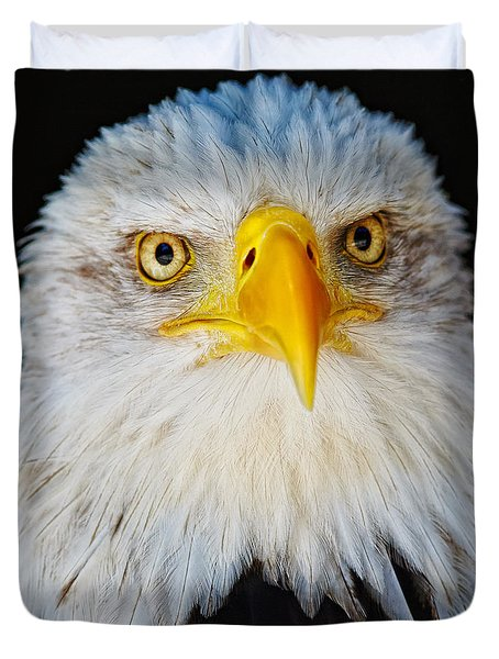 Closeup Portrait Of An American Bald Eagle Duvet Cover