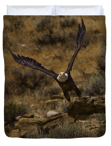 Duvet Cover featuring the photograph Eagle Lift Off by J L Woody Wooden