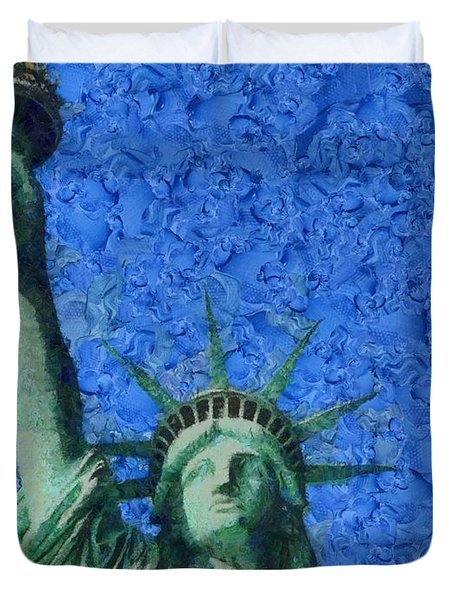 Statue Of Liberty Duvet Cover by Dan Sproul