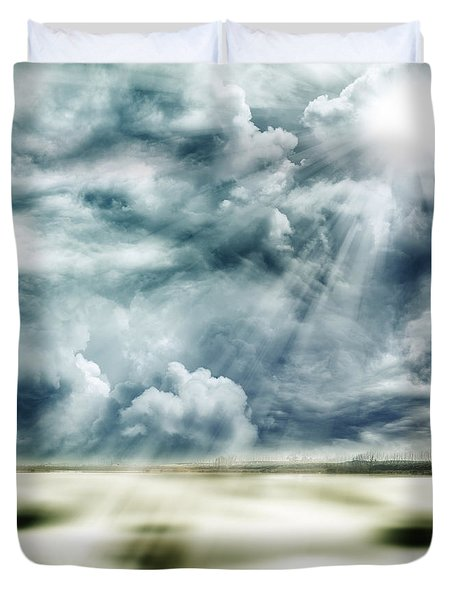 Sunlight Duvet Cover by Les Cunliffe