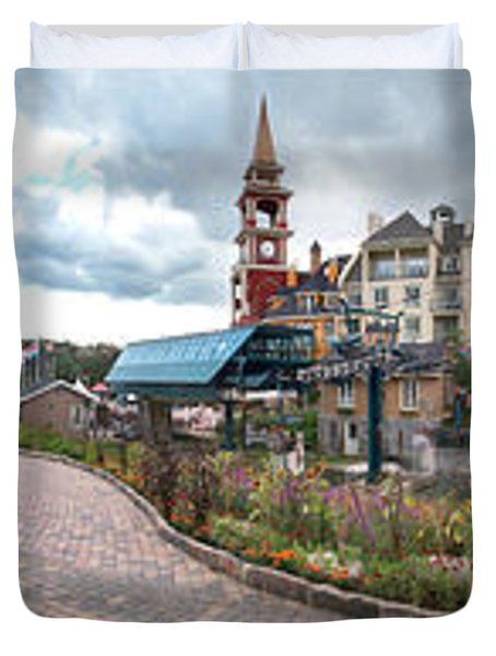 360 View Panorama, Mont-tremblant Duvet Cover by Henry Lin