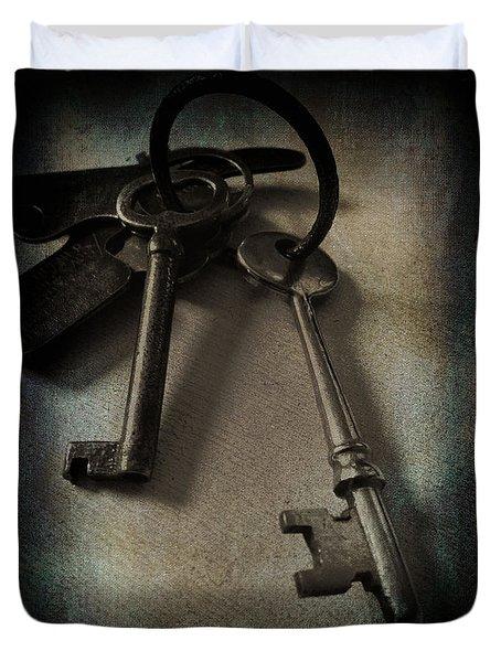 3619_vintage Keys Vignette Duvet Cover