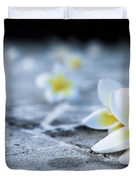 Plumaria Flowers Duvet Cover