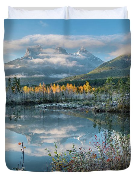 Lake With Mountains In Background Duvet Cover