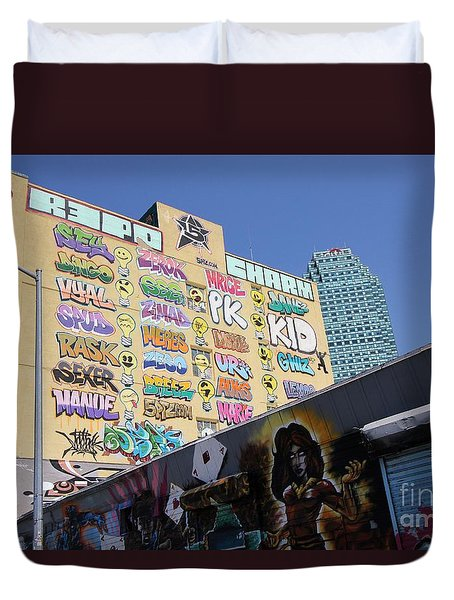5 Pointz Graffiti Art 2 Duvet Cover by Allen Beatty