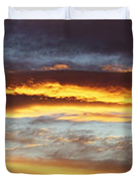 Bright Sky Duvet Cover by Les Cunliffe