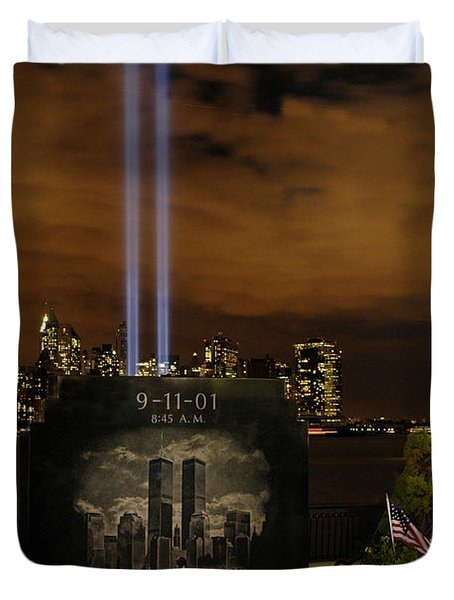 9-11 Monument Duvet Cover
