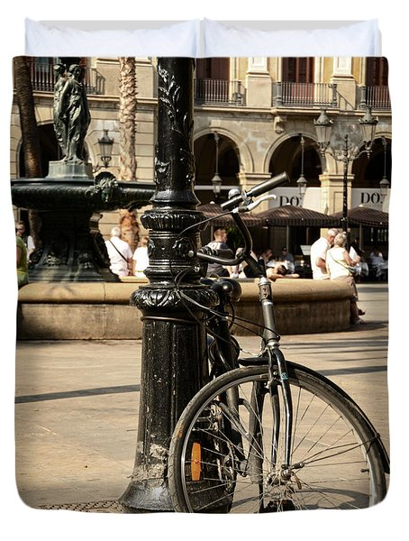 A Bicycle At Plaza Real Duvet Cover by RicardMN Photography