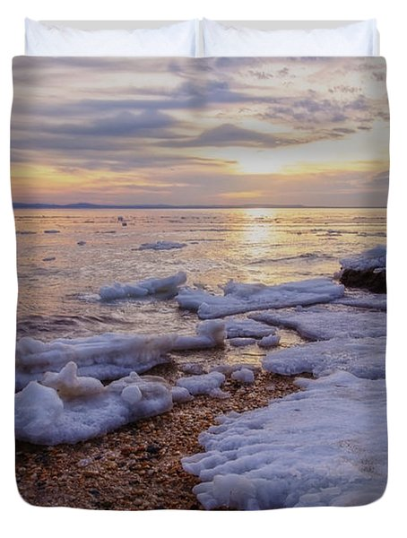 Duvet Cover featuring the photograph A Cold Sandy Hook Winter by Debra Fedchin