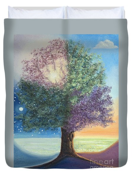 A Day In The Tree Of Life Duvet Cover