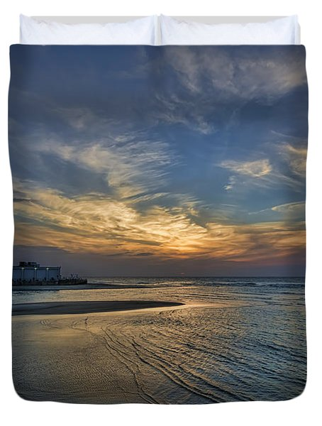 a joyful sunset at Tel Aviv port Duvet Cover by Ron Shoshani