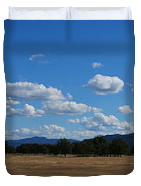 A June Panorama In Southern Oregon Duvet Cover by Mick Anderson