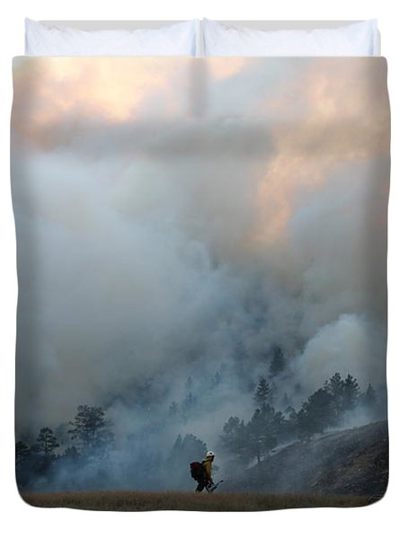 Duvet Cover featuring the photograph A Solitary Firefighter On The White Draw Fire by Bill Gabbert