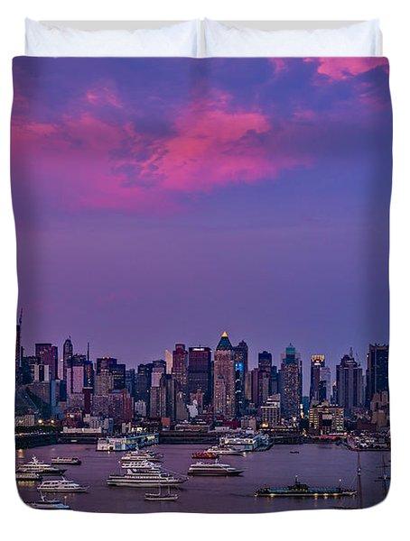 A Spectacular New York City Evening Duvet Cover by Susan Candelario