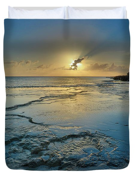 A Tidal Shelf On Kawakiu Nui Beach Duvet Cover