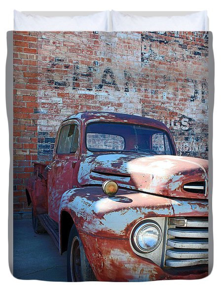 A Truck In Goodland Duvet Cover