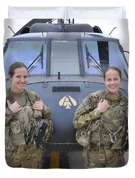 Duvet Cover featuring the photograph A U.s. Army All Female Crew by Stocktrek Images