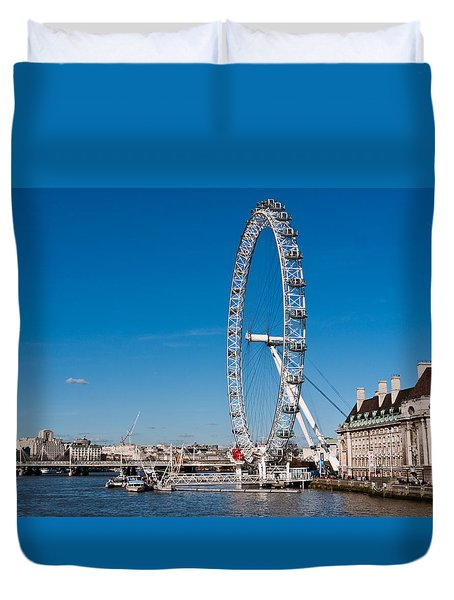 A View Of The London Eye Duvet Cover