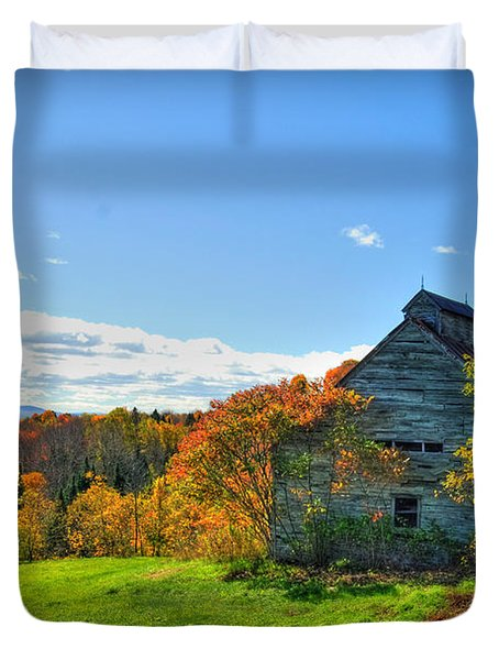 Abandoned Barn Duvet Cover by Alana Ranney
