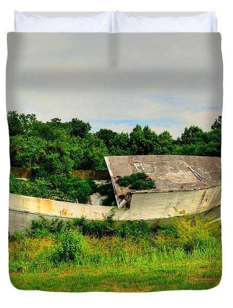 Duvet Cover featuring the photograph Abandoned Boat by Kathy Baccari
