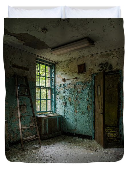 Abandoned Places - Asylum - Old Windows - Waiting Room Duvet Cover by Gary Heller