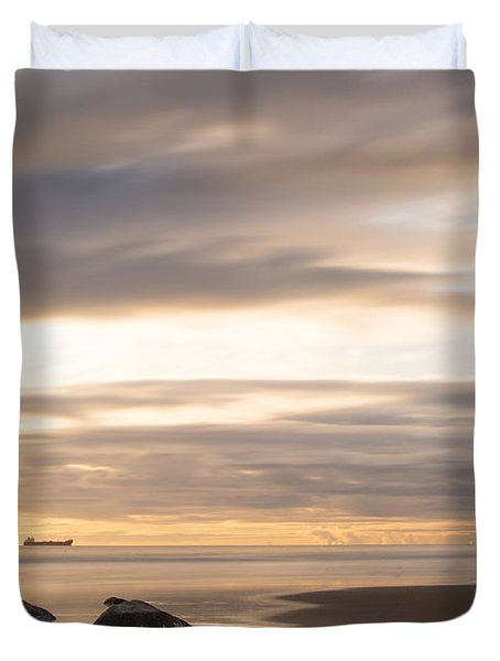 Aberdeen Beach At Dawn Duvet Cover