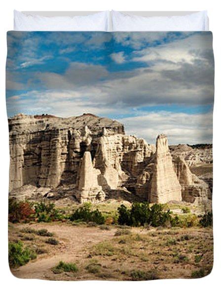 Abiquiu New Mexico Plaza Blanca In Technicolor Duvet Cover