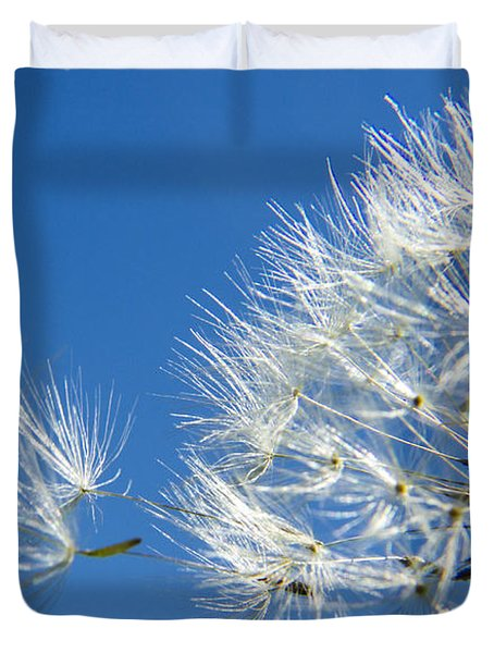 About To Leave - Dandelion Seeds Duvet Cover by Darleen Stry