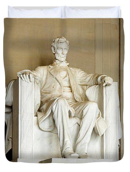 Abraham Lincolns Statue In A Memorial Duvet Cover