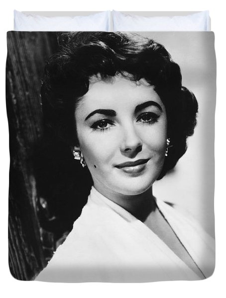 Actress Elizabeth Taylor Duvet Cover