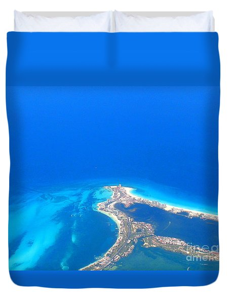 Aerial View Of Cancun Duvet Cover by Patti Whitten