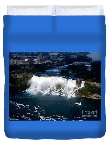 Aerial View Of Niagara Falls And River And Maid Of The Mist Duvet Cover
