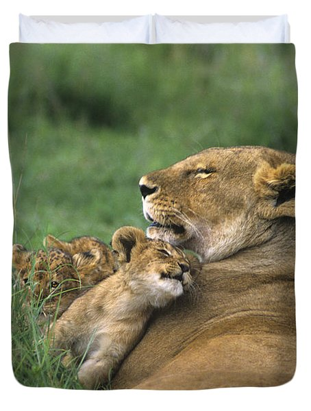 Duvet Cover featuring the photograph African Lions Mother And Cubs Tanzania by Dave Welling