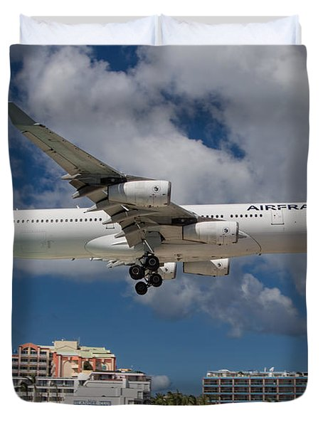 Air France Landing At St. Maarten Duvet Cover