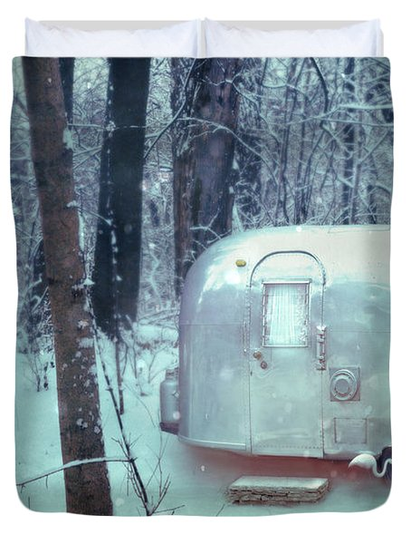 Airstream Trailer In Snowy Woods Duvet Cover
