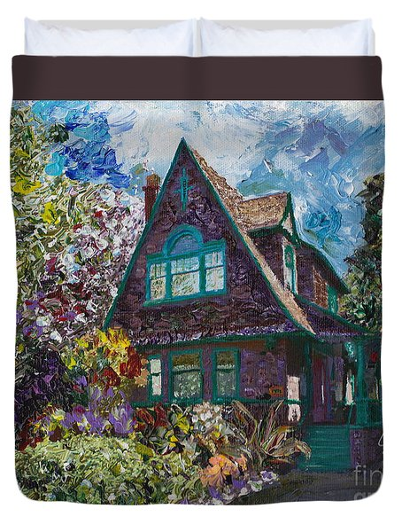 Alameda 1907 Traditional Pitched Gable - Colonial Revival Duvet Cover by Linda Weinstock