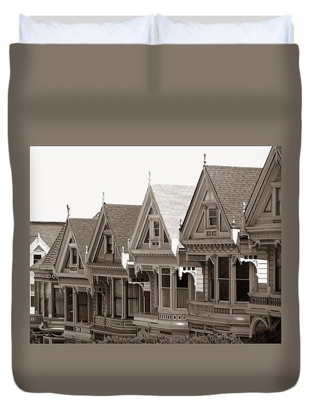 Duvet Cover featuring the photograph Alamo Square - Victorian Painted Ladies 2009 by Connie Fox