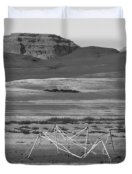 Alien Wreckage Bw - Lake Powell Duvet Cover by Julie Niemela
