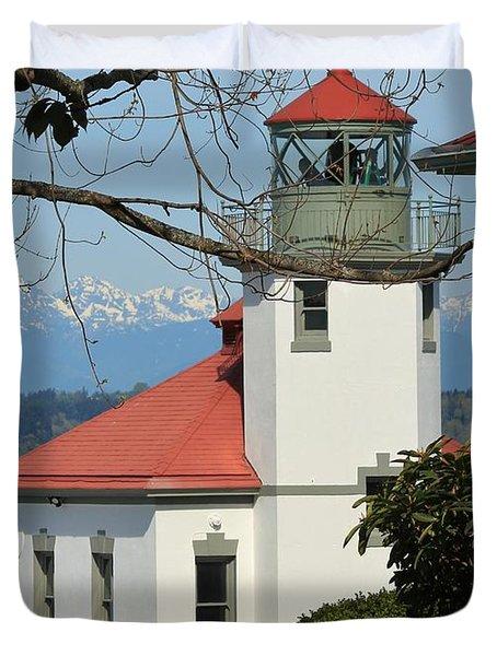 Duvet Cover featuring the photograph Alki Lighthouse by E Faithe Lester
