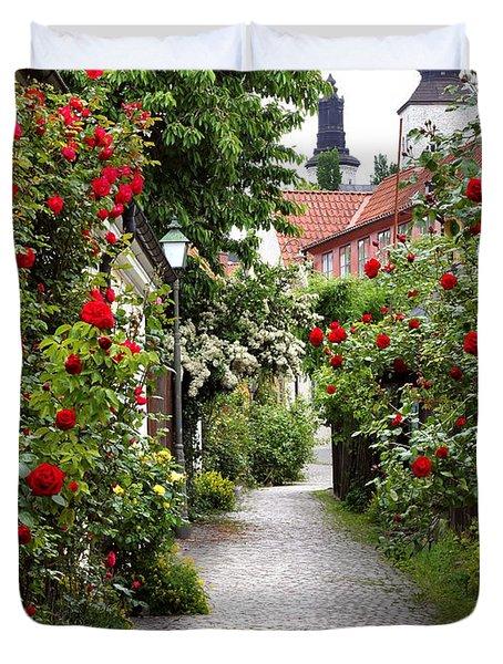 Alley Of Roses Duvet Cover