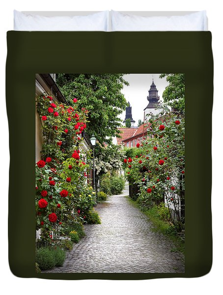 Alley Of Roses Duvet Cover