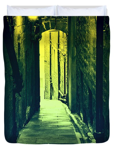 Duvet Cover featuring the photograph Alleyway by Craig B