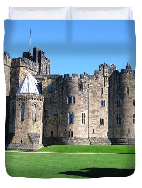 Duvet Cover featuring the photograph Alnwick Castle Castle Alnwick Northumberland by Paul Fearn