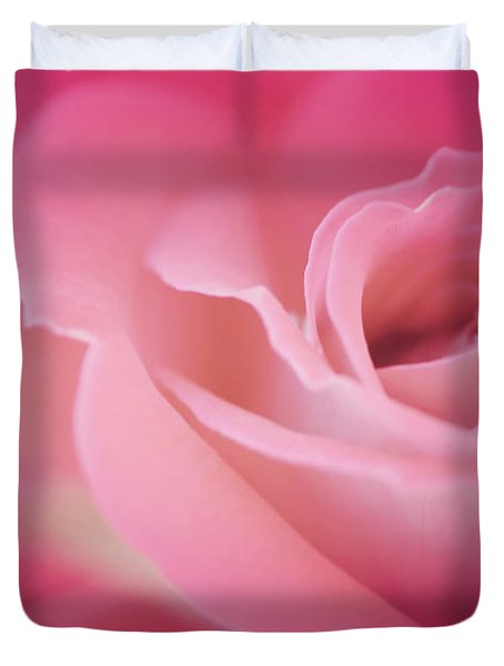 Amar Siempre Duvet Cover by The Art Of Marilyn Ridoutt-Greene
