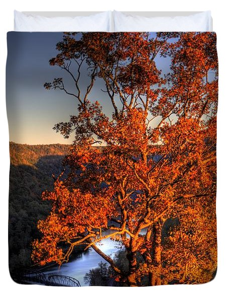 Amazing Tree At Overlook Duvet Cover by Jonny D