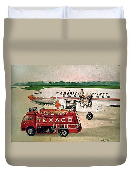 American Dc-6 At Columbus Duvet Cover by Frank Hunter