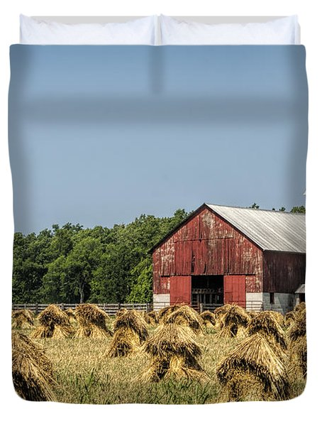 Amish Country Wheat Stacks And Barn Duvet Cover by Kathy Clark